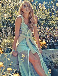 pastel fashion cosmo5 Ashley Osborne Wears Perfect Pastels for Cosmopolitan Australia