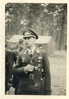 卐 Oberst Werner Mölders (18 March 1913 – 22 November 1941)
