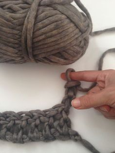 ~~~ FINGER CROCHET ~~~ No hook needed! Learn how to finger crochet with this step-by-step tutorial. Learn To Crochet, Diy Crochet, Crochet Crafts, Yarn Crafts, Hand Crochet, Crochet Stitches, Sewing Crafts, Crochet Granny, Double Crochet
