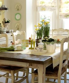 This is a very charming eating space. I would feel at home, here. It reminds me of one of my dear, old friends.