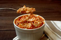 Macarrones con queso y salsa de tomate