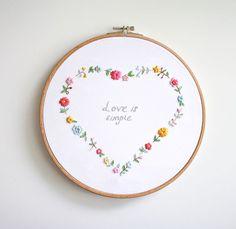 embroidery heart wreath | Turuncu Oda