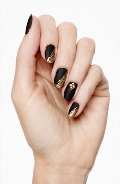 Black & Gold Manicure