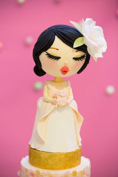 Close-up of Elina from Bake-a-boo's adorable cake topper on her #artofcake2014 entry at #shorecity - too cute to eat!