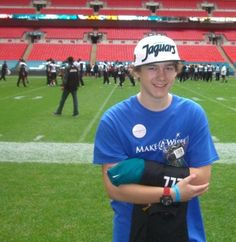 Brandon, 16, from Airdrie, Scotland, was diagnosed with a #craniopharyngioma in May 2010 when he was 12 years old. The family raised £70,000 in 2010 for Brandon to have proton therapy and major brain surgery in Jacksonville, Florida. The proton therapy has, so far, prevented further growth of the tumour. (via Make-A-Wish UK)