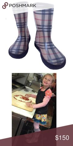 Burberry Nova Check Frogrise Rain Boots 13  ☔️ She'll make a splash in these signature check authentic Burberry Frogrise rain boots. Only worn a few times. Excellent condition. Size 13. (31/32) Unisex fit. #burberrykids #burberry #burberryrainboots #kidsrainboots Burberry Shoes Rain & Snow Boots
