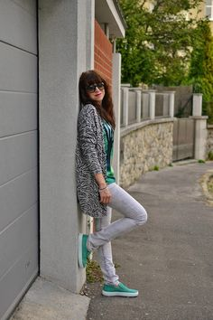 SIVOZELENÁ LEŽÉRNOSŤ_Katharine-fashion is beautiful_Katarína Jakubčová_Fashion blogger ‪#‎outfit‬ ‪#‎ootd‬ ‪#‎autumn‬ ‪#‎fashion‬ ‪#‎inspiration‬ ‪#‎fall‬ ‪#‎sveter‬ ‪#‎džínsy‬ ‪#‎topánky‬ ‪#‎slipon‬ ‪#‎girl‬ ‪#‎woman‬ ‪#‎green‬ ‪#‎style‬ ‪#‎grey‬ ‪#cardigan ‪#comfy ‪#look