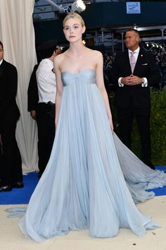 Elle Fanning in Miu met ball 2017. LOVE the color and flowiness of this dress