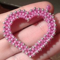 FREE! CRAW Heart Pendant  Beading Tutorial by HoneyBeads featured in Bead-Patterns.com Newsletter