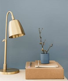The new 2017 color from Dulux is called Denim Drift. No matter if artfully in Bo … – Skandinavisch wohnen – Einrichtungsideen Wall Colors, House Colors, Hallway Colours, Blue Gray Paint, Dulux Paint Colours Blue, Dulux Grey Paint, Dulux Paint Colours For Bedrooms 2019, Paint Colours 2017, Teal