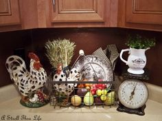 Perfect for our new kitchen as we do the red and white black - Kitchen Decor Themes Rooster Kitchen Decor, Red Kitchen Decor, Rooster Decor, Vintage Kitchen Decor, Kitchen Black, Kitchen Decorations, Kitchen Tiles, French Country Kitchens, French Country Style