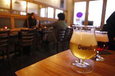 Belgisches Bier Duvel in einer Brasserie in der Rue de Rollebeek in Brüssel