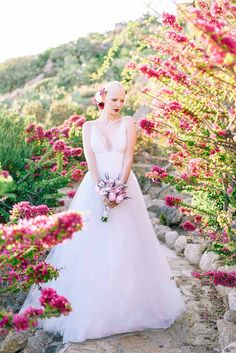 Romantic with a touch of elegance styled shoot - Love4Weddings