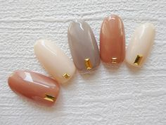 旬の手先はシンプルカラーに宝石一粒。指先で魅せる秋のトレンドネイル特集|MERY [メリー] Soft Nails, Simple Nails, Bridal Nails, Wedding Nails, Hair And Nails, My Nails, Korea Nail, Wonder Nails, Nail Ring