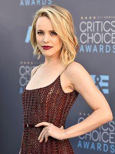 Rachel McAdams is a lady in maroon at the Critics' Choice Awards Hair Inspo, Hair Inspiration, Rachel Mcadams Hair, Mc Adams, Beauté Blonde, Jenifer Lawrence, Hair Trends, Hair Goals, New Hair