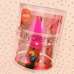 New in #makeup #beautyblender #pink #thebeautyst @The Beautyst by @Léa A.