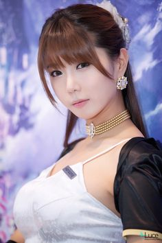 korean sexy racing model - heo yun mi