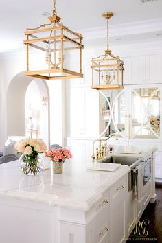 Kitchen Countertops Girlfriend's Guide to Marble Countertops - white kitchen with marble countertops - Girlfriend's Guide to Marble Countertops - all you need to know about marble - how to clean them, care for them and should you use them. Home Design, Interior Design Kitchen, Kitchen Designs, Interior Ideas, Design Design, Refinish Countertops, Tile Countertops, Kitchen With Marble Countertops, Countertop Types