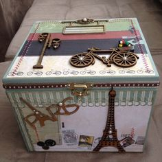 Resultado de imagen para ver ver costureros decorados.com Decoupage Box, Decoupage Vintage, Painted Boxes, Wooden Boxes, Cigar Box Crafts, Altered Cigar Boxes, Vintage Luggage, Pretty Box, Jewellery Boxes