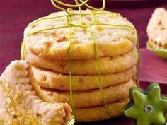 Hier geht's zum Rezept für leckere Mango-Ingwer-Cookies - für Exotik unterm Weihnachtsbaum. www.fuersie.de/kochen/backrezepte/artikel/mango-ingwer-cookies