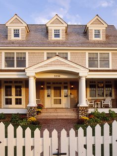 Exterior Shakes Colonial Design, Pictures, Remodel, Decor and Ideas - page 6