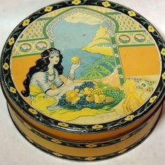 1920s fruit cake tin