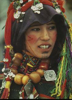 Imazighen-Frau mit Tätowierungen am Kinn