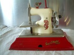 rare vintage toy sewing machine sewomatic sew o matic senior little debbie nice!