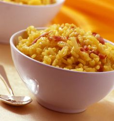 Saffron risotto with bacon, the Ôdélices recipe: find the ingredients, the preparation, similar recipes and photos that make you want! Polenta, Smoking Recipes, Salty Foods, Fast Food, Food Cravings, Italian Recipes, Couscous, Risotto, Side Dishes