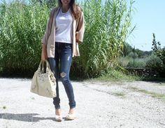 Kimono: Zara  Jeans: Abercrombie&Fitch  Bag: Balenciaga