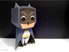 Dans la série des papertoys Batman, je voudrais la version sixties ! Lui rappelant sa petite enfance, c'est avec nostalgie que Byutea de paper hOles a réalisé ce papercraft de notre chauve-souris préférée. Basé sur la forme et le logo…
