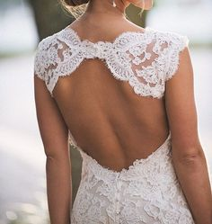 I'm a bit obsessed with open back wedding dresses! It's so sexy yet elegant!