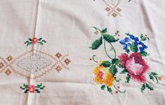 Antique hand embroidery cotton tablecloth cross stitch floral tablecloth amazing Floral embroidery h Vintage Embroidery, Ribbon Embroidery, Floral Embroidery, Cross Stitch Embroidery, Embroidery Patterns, Cross Stitch Material, Floral Tablecloth, Embroidered Towels, Diy Artwork
