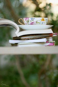 Early morning tea & a good book <3