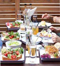 essen in wien: the brickmakers Restaurant Bar, Vienna Guide, Tapas, Eggs Florentine, Brunch, Lokal, Pulled Pork, Bruschetta, Dishes