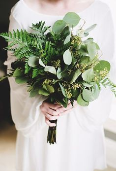Mix some eucalyptus and herbs in with your evergreens for a great smelling and modern looking bouquet. Table runner idea wedding bouquet 11 Evergreen Winter Wedding Decorations for That Chic Forest Feel Fern Bouquet, Eucalyptus Bouquet, Eucalyptus Wedding, Seeded Eucalyptus, Blush Bouquet, Rustic Bouquet, Eucalyptus Leaves, Floral Wedding, Wedding Bouquets