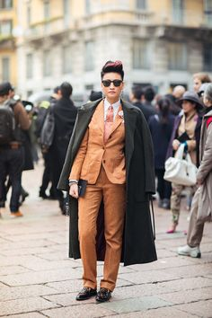 #EstherQueck suiting up in Milan.