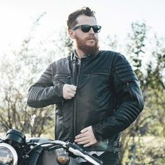 One of our best selling men's leather jackets, the Commuter jacket by First Mfg. is made from a supple, high quality leather. Perfect for everyday riding, especially great for these cooler riding days with its detachable, full sleeve insulated liner. Come check it out in the shop, or see it in the link in bio, online.