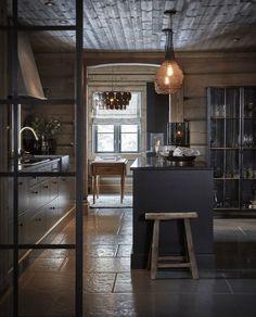 〚 Modern chalet with moody dark interiors in Norway 〛 ◾ Photos ◾Ideas◾ Design Luxury Homes Interior, Best Interior Design, Interior Design Kitchen, Interior Decorating, Interior Shop, Nordic Interior, Interior Livingroom, Apartment Interior, Interior Styling