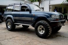 Hi all Was wondering how will those super swampers look on Land Cruiser I already had a 2 inch Suspension lift installed. Removed that, Installed taller springs, Iron man, Rancho TRD adjustable shocks,… Toyota Lc, Toyota Trucks, Toyota Hilux, Lifted Trucks, Land Cruiser 80, Toyota Land Cruiser, Best Off Road Vehicles, Carros Toyota, Offroader