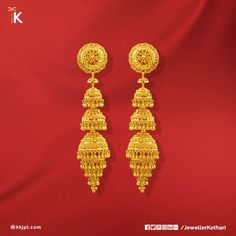 Make your shine on her with this exquisite and contemporary Visit Karan Kothari Jewellers to choose from our wide collection. Gold Ring Designs, Gold Bangles Design, Gold Earrings Designs, Gold Jewellery Design, Gold Jewelry, Handmade Jewellery, Quartz Jewelry, Gold Jhumka Earrings, Gold Bridal Earrings