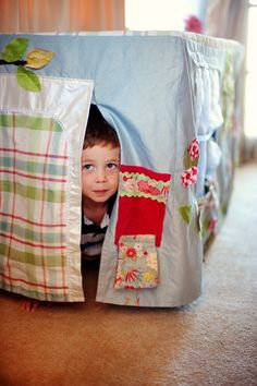 Take imaginative play one step further with an ingenious fabric house that fits over your dining table Photo Amanda Reelick Easy Projects, Craft Projects, Sewing Projects, Craft Ideas, Upcycled Crafts, Sewing Crafts, Diy And Crafts, Table Tents, Kids Tents