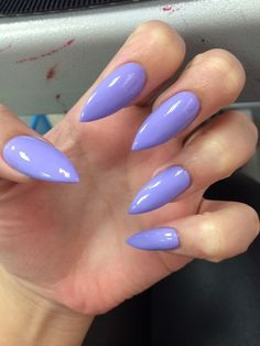 ♥️ i really hate almond shape but the color is really nice color i have had it on my n