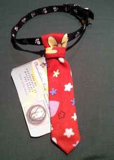 Corbatas Felinas...  Si la elegancia fuera pecado... seríamos todos pecadores ;)  Todos los gatos son hermosos, pero con corbata se ven además muy elegantes ;D  Corbatas con diferentes diseños, todas con correa ajustable y cascabel.  Precio: $8.000 pesos  http://youtu.be/Sd8IMBv6tdY  Informes: 3144309086 - 3013667 / www.facebook.com/migatoylaluna
