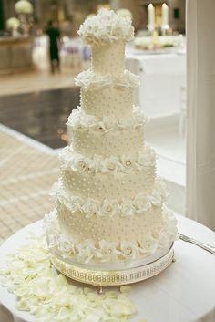 Replica of Tom Cruise/Katie Holmess wedding cake by elizabethscakeemporium, via Flickr