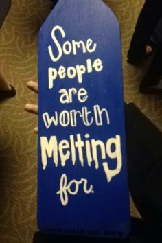 Back of a fabulous Frozen-themed paddle. CUTEST.
