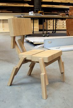 chair by rjw elsinga Diy Bank, Pallet Chairs, Wood Stone, Chair Bench, Tutti Frutti, Amazing Ideas, Wood Table, Drafting Desk, Chair Design
