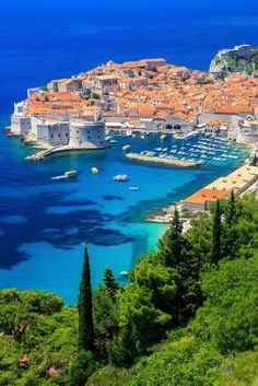 Dubrovnik is an amazingly intact walled city on the Adriatic Sea coast in the south of Croatia. Discover the best attractions and things to do in Dubrovnik. Amazing Destinations, Holiday Destinations, Travel Destinations, Romantic Destinations, Croatia Itinerary, Croatia Travel, Italy Travel, Cool Places To Visit, Places To Travel