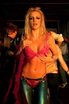 People Style : Britney Spears, ses looks iconiques dans ses clips Britney Spears Body, Britney Spears Songs, Party Anthem, U Rock, Britney Jean, Paris Match, Girl Celebrities, Celebs, Dance Class