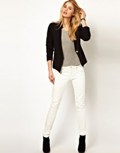 Black blazer and booties, white jeans, grey tee. Perfect late summer transition outfit.
